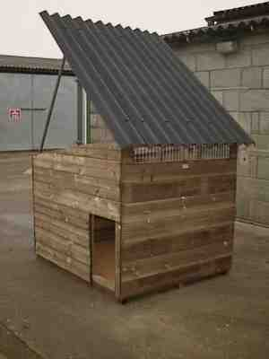isis duck house with roof up