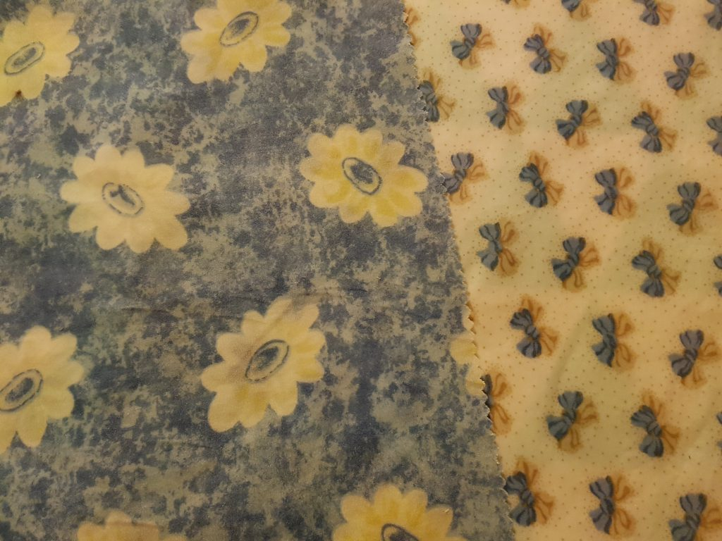 Blue flowers and ribbons beeswax wraps 2 pack